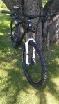 Race Face Atlas Stealth Bars blend right into the frame design