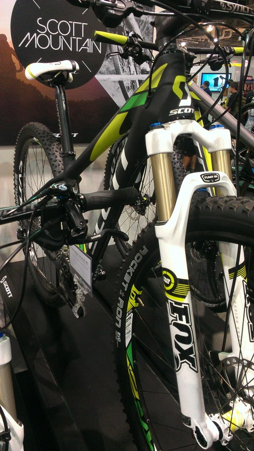 Carbon hardtail for those women out there looking to break sound barriers on the flats
