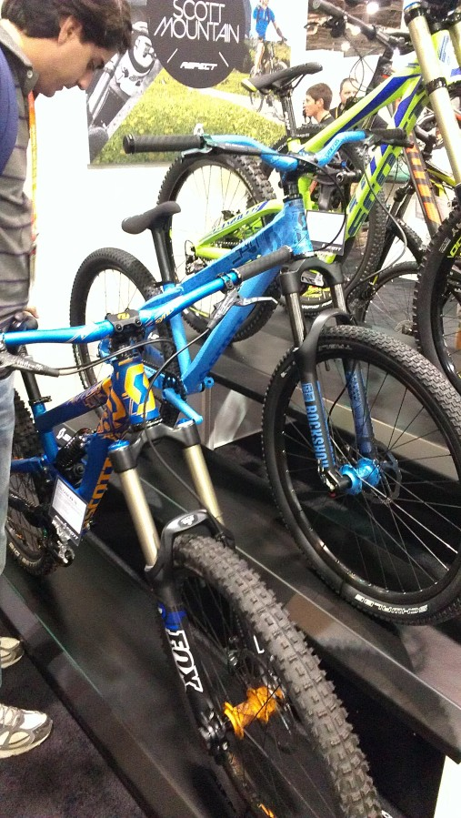 This was a popular bike at Interbike.  Eye catching colors on a well spec'ed, well designed freeride bike certainly can turn some heads.